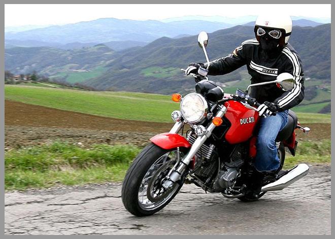 Классические мотоциклы фото: http://photoicar.ru/klassiycheskie-motoytsiklyi-foto.html